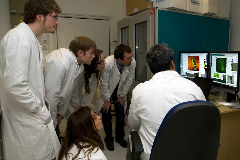 In_the_lab_with_Professor_Arvin_Raman_and_his_AFM_experiments_copy